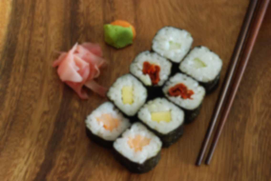 sushi-japonese-food_MJ8RfC6O
